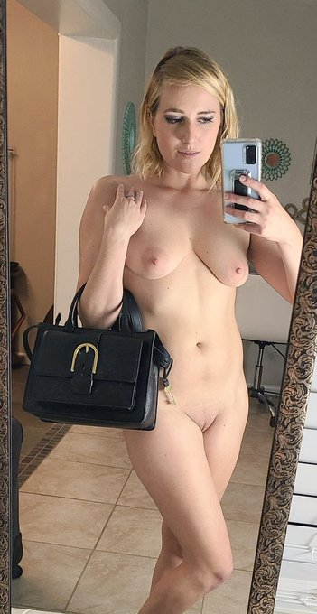 2 pic. Thank you much Chuck for the very Much Needed wallet and Purse!!! 😁😍😘 I love them!!! https://t