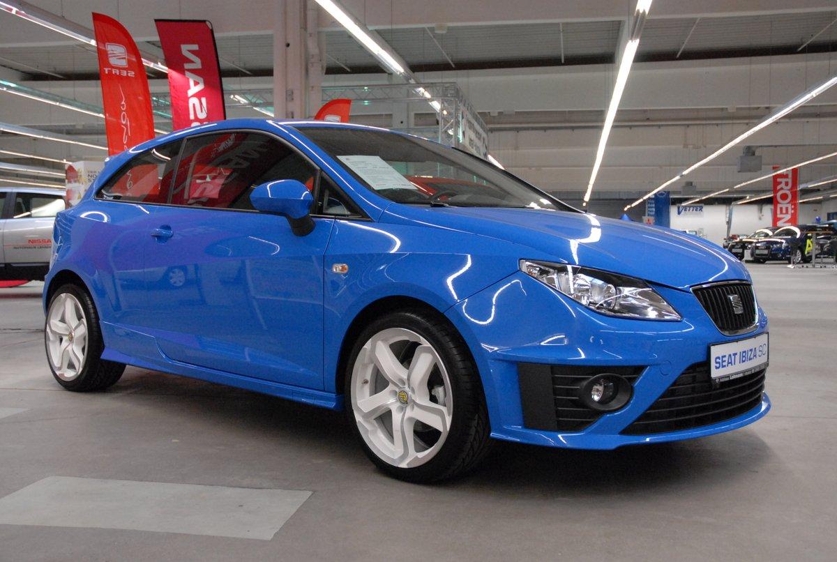 Est-ce qu'une SEAT Ibiza SC (2010) est #vilebrequin #approved ? XD  RT(s) apprécié(s) les loulou(s) !  A oui jugez pas, mais j'ai pris un diesel au vu des kilomètres que je fais..