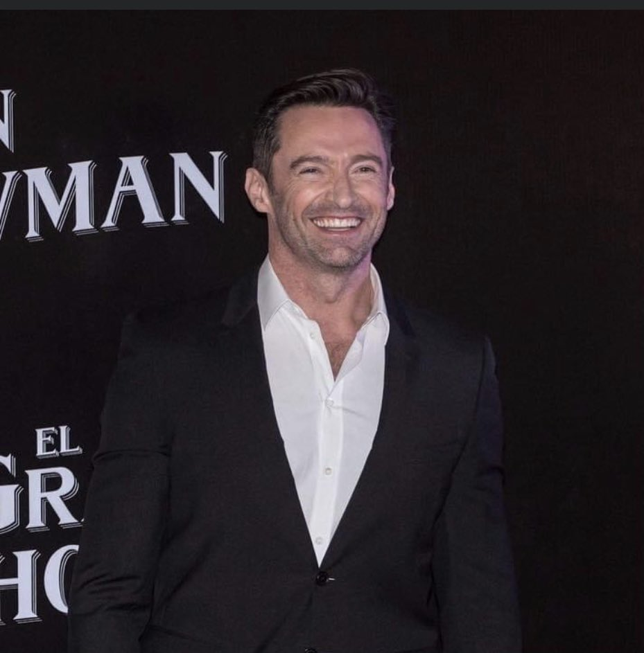 @RealHughJackman Coming here to tell you that I would be very happy if you answered me, the affection of those we admire completes our day.