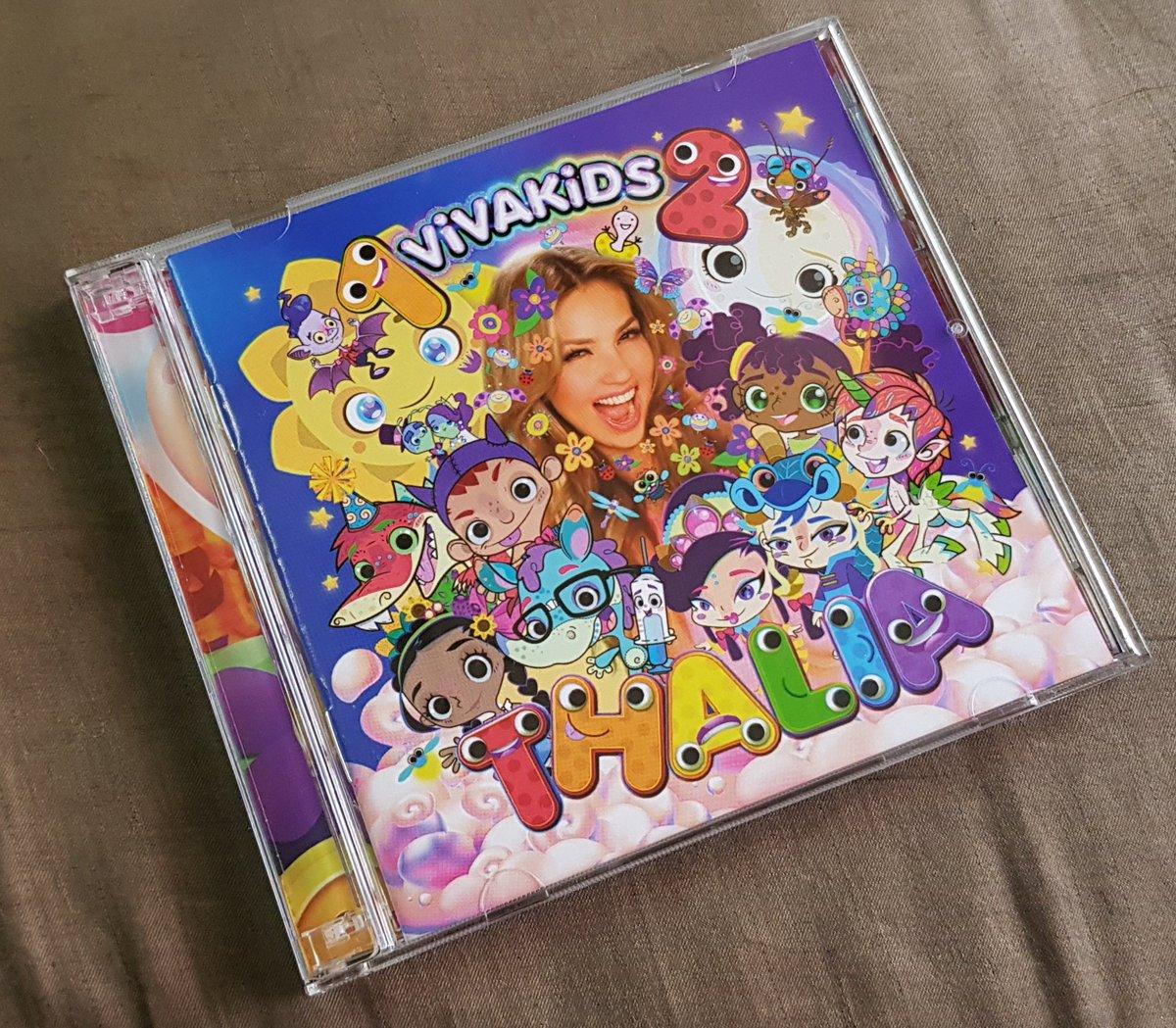 Pues ya tengo el disco físico de @thalia #VivaKids 2 su álbum infantil y esta muy padre. Pero no entiendo porque @sonymusicmexico  metió el cd del 1, sobretodo porque ya muchos lo teníamos en su edición de CD + DVD, no hubiera estado mejor sacar este segundo volumen con DVD??