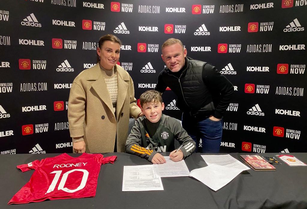 Proud day. Kai signing for @ManUtd. Keep up the hard work son ❤️