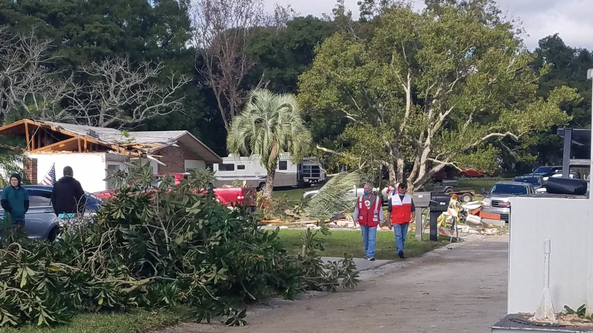 TODAY: Red Cross disaster workers made their way through a Lakeland neighborhood impacted by an unusual winter #tornado. Our team of 5 provided immediate assistance to a veteran whose home was destroyed & distributed water/snacks to residents & work crews. #EmergenciesDontStop