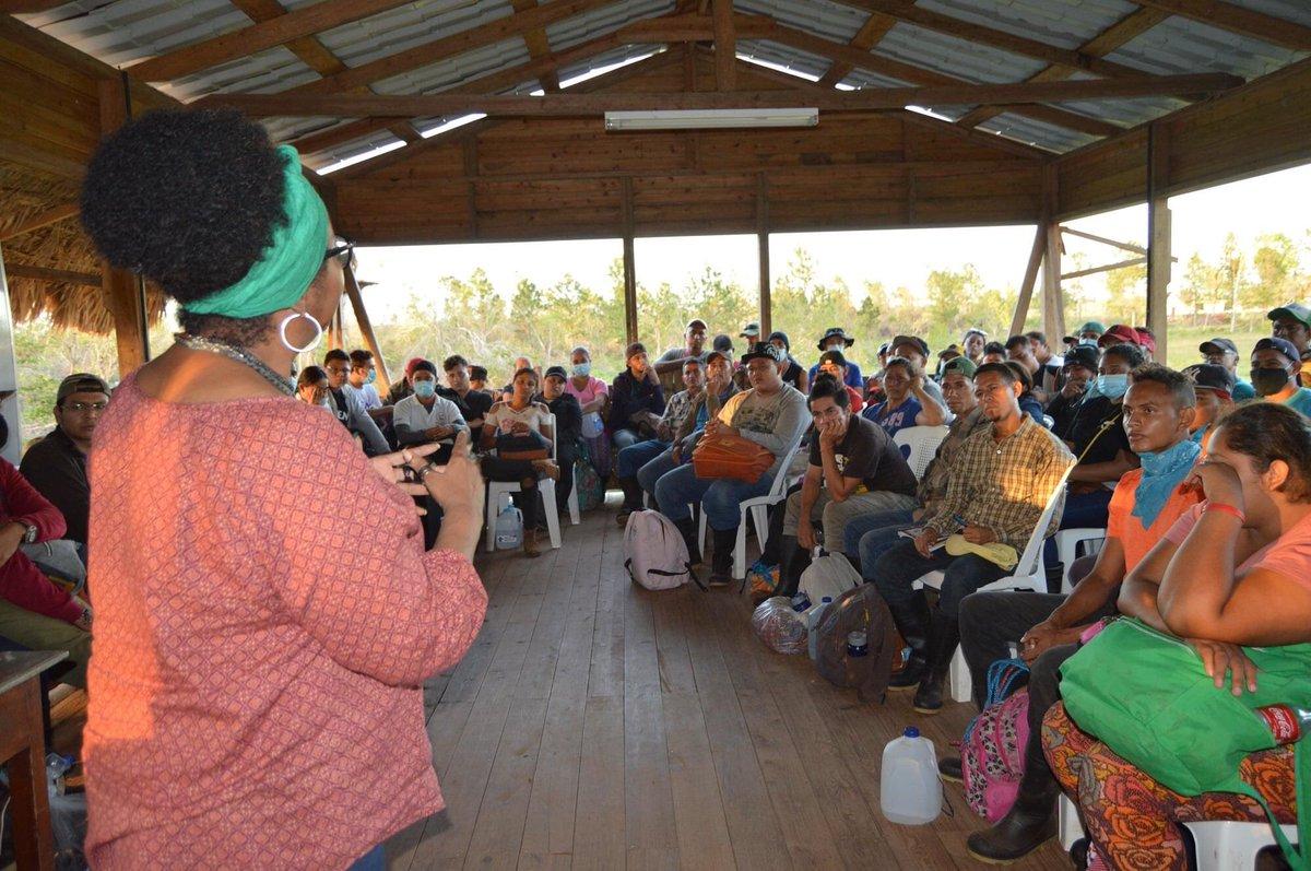 🌳 URACCAN recinto Bilwi recibe a promotores solidarios de universidades nacionales   #UniversidadComunitariaIntercultural Ver más en⬇ #Nicaragua #costacaribe #Bilwi #HuracanEta #Huracanlota #yosoyuraccan