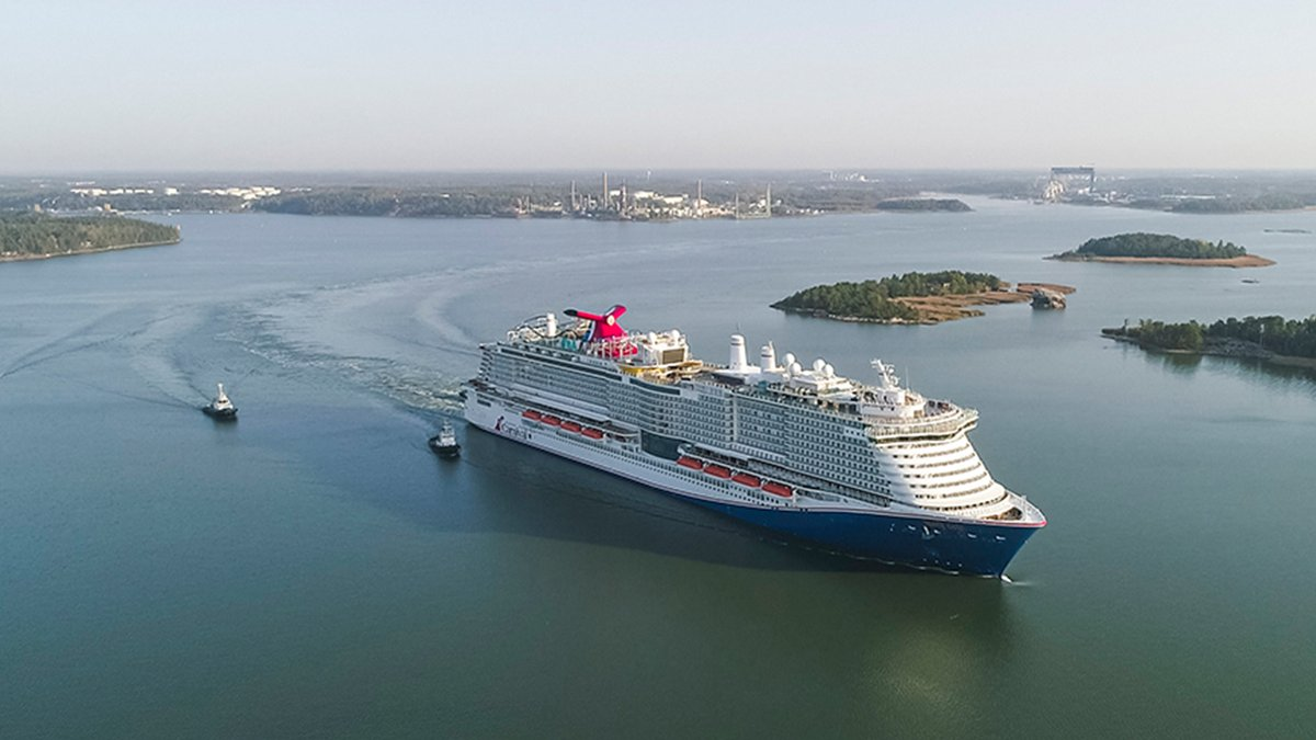 Highlight of 2020: Mardi Gras officially in our arms! Welcome to the Fleet 😍 Captain Giuseppe Giusa wants to take you on a mini tweet tour of this beautiful ship. Let's go! #CarnivalMardiGras