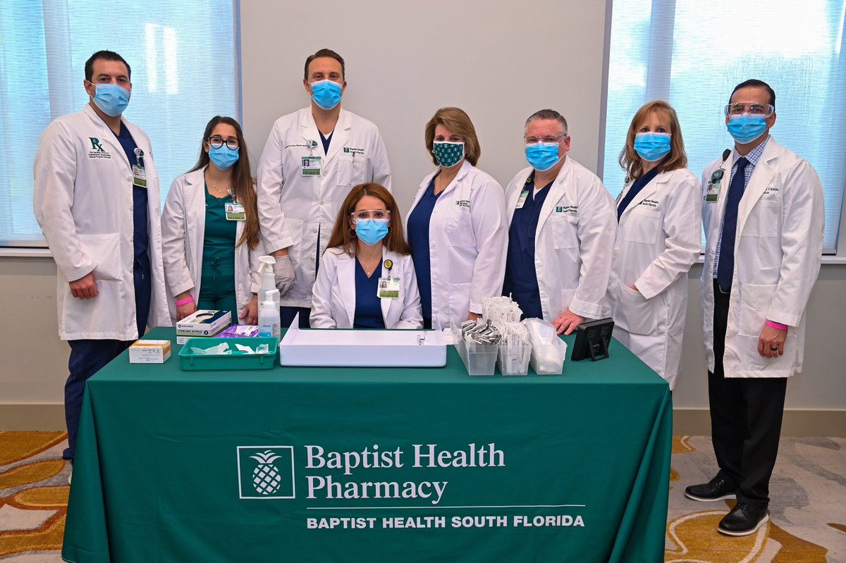 Today's #FeelGoodFriday goes out to the Baptist Health Pharmacy team who took part in history by providing the first COVID-19 vaccine to our front line healthcare workers. . . #PineappleProud #BaptistHealthSF #HealthCareHeroes #Pharmacy #COVID19Vaccine https://t.co/YwNzbOrHHO