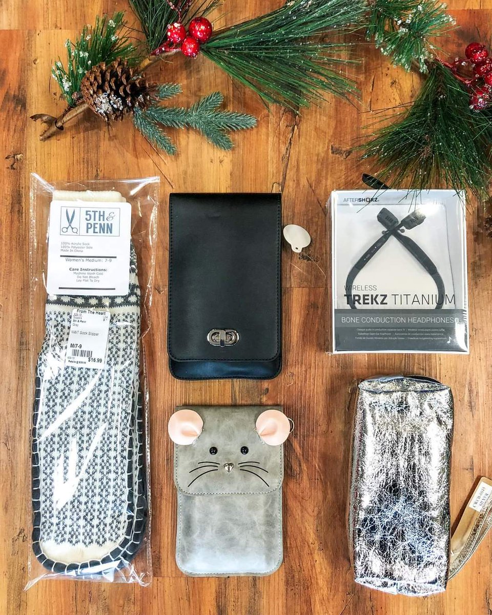 Need a gift idea? We've got you covered! Stop in to check out our selection of NWT gifts! 🎁  Details:  ✨Socks: $16.99 ✨Black Phone Purse: $19.99 ✨Gray Phone Purse: $12.99 ✨Headphones: $37.99 ✨Cosmetic Bag: $7.99