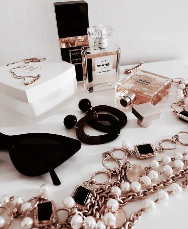 ♤  #fashion #fashionblogger #moda #Chanel #CHANELDreaming #paris #France #beauty #jewellery #wine #fancy #female