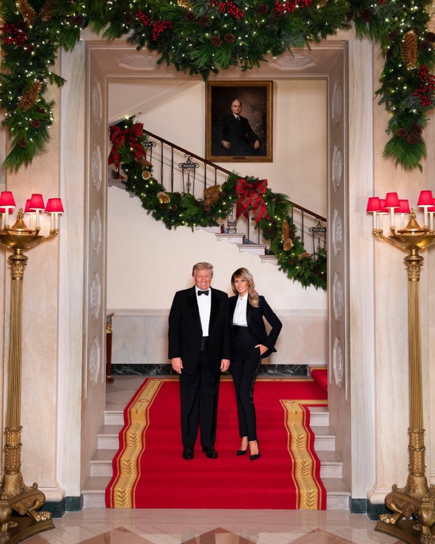That's OUR President & First Lady 🙌