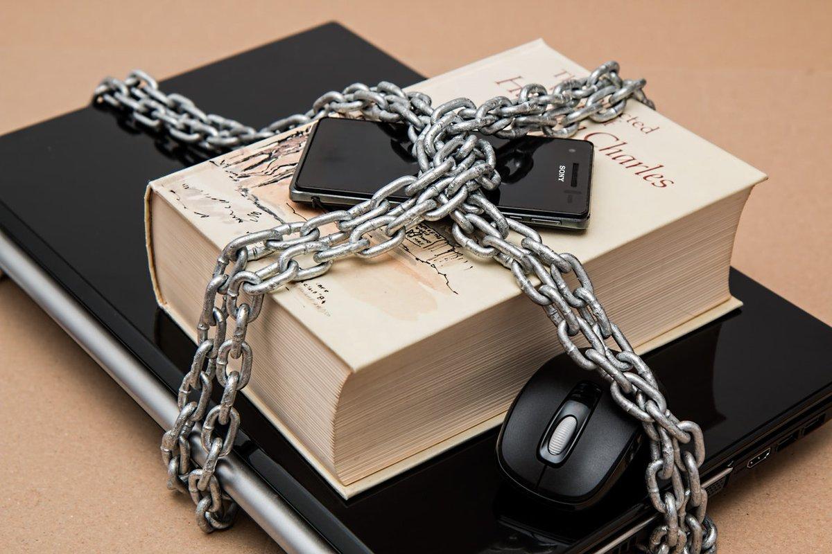 Tornar nossa presença na Internet menos complicada e mais segura é primordial na atualidade. Confira minha dica sobre como criar e gerenciar senhas fortes de forma gratuita: https://t.co/dnoQGRvlDz #segurança #senha #app #navegarnumaboa #ficaadica https://t.co/O9fSfKz5C6