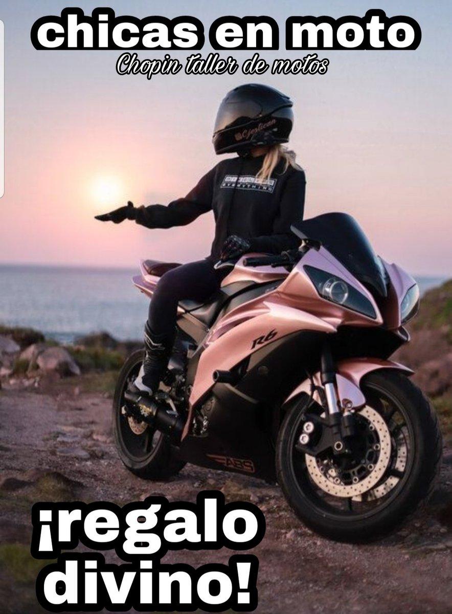 Chicas en moto,son un regalo divino!  Esta #navidad regalen a su moto servicio completo, #nosalgasdecasa y pregunta sin compromiso WhatsApp  5548089460  #chicasenmoto #chopintallermotos  #rollinggirlsméxico #chopintallerdemotosyautos #mujeresmoteras #bikegirls #girlsonbikes