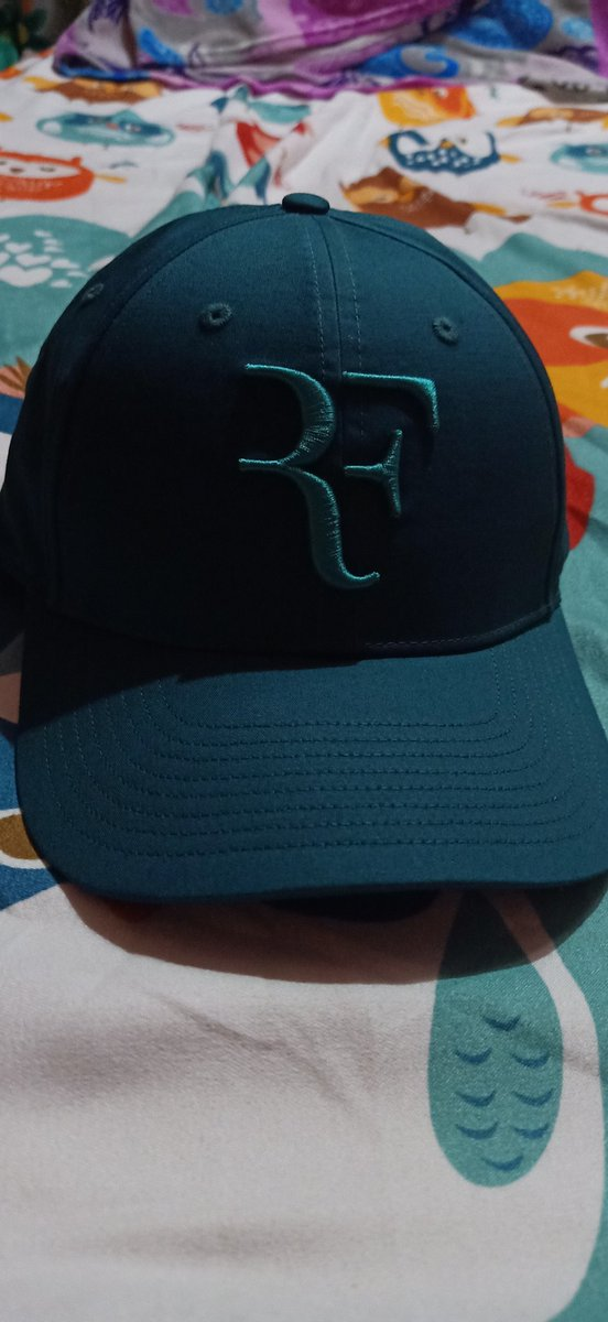 Great choice for the color. yay🥰🥰🥰 #FEDERER @rogerfederer #RFcapisback