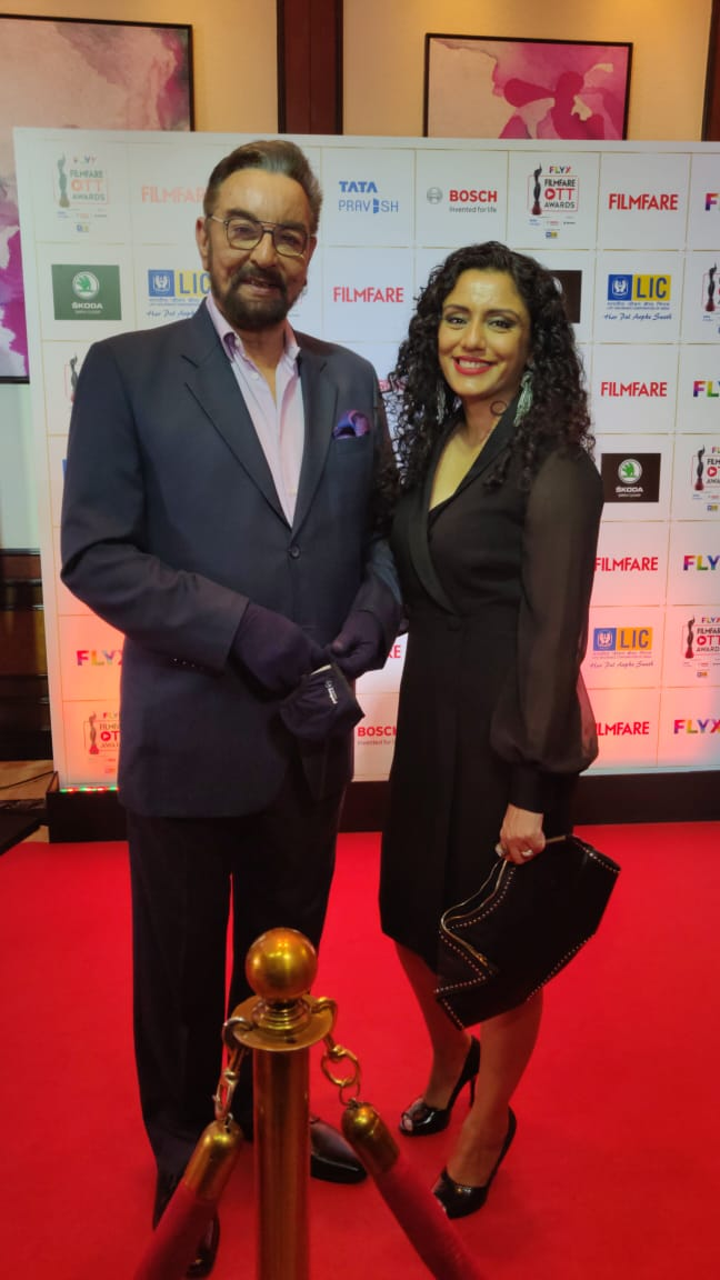 Replying to @etimes: .@iKabirBedi and #ParveenDusanj grace the red carpet at the #FlyxFilmfareOTTAwards2020