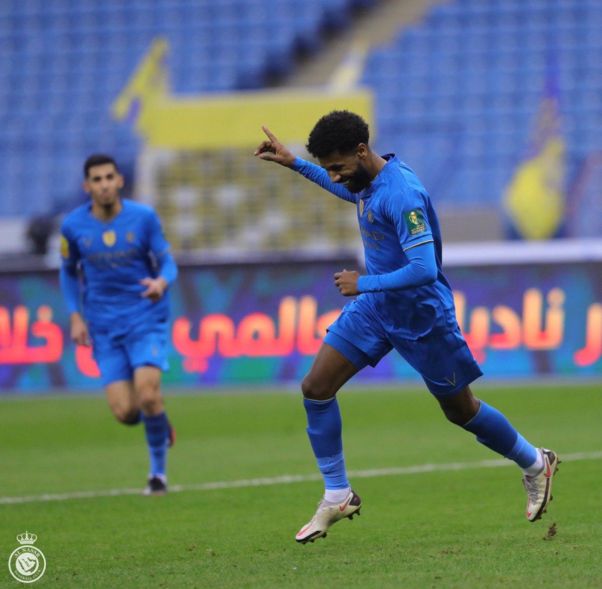 مدرج الهلال On Twitter نادي الهلال يقدم عرض للاعب سامي النجعي لاعب نادي النصر