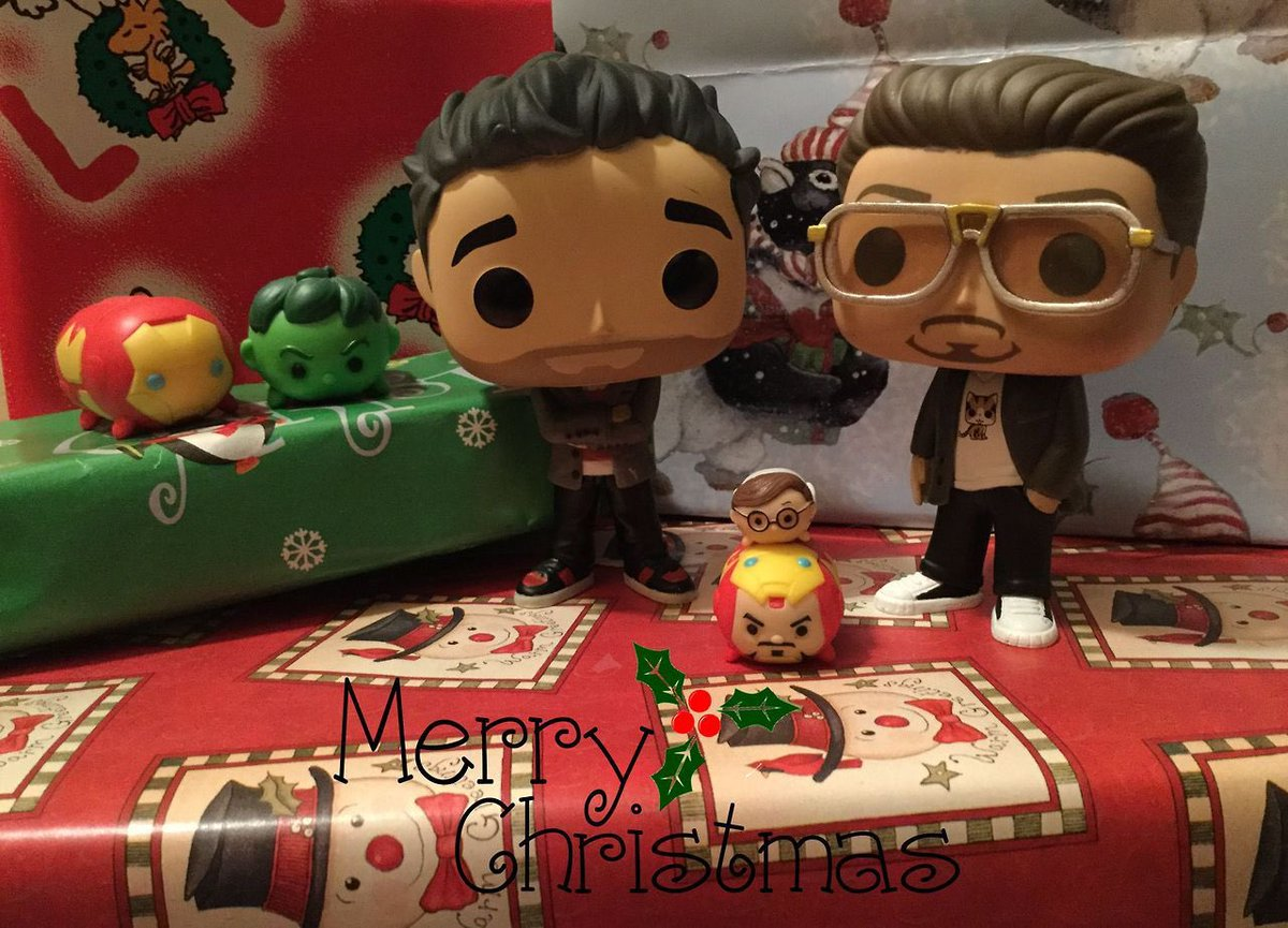 Have a Holly Jolly Christmas! 🎄💚❤️ #BruceBanner #TonyStark #ScienceBros #ScienceBrosForever 💚❤️ #ChristmasCheer #HolidaySeason