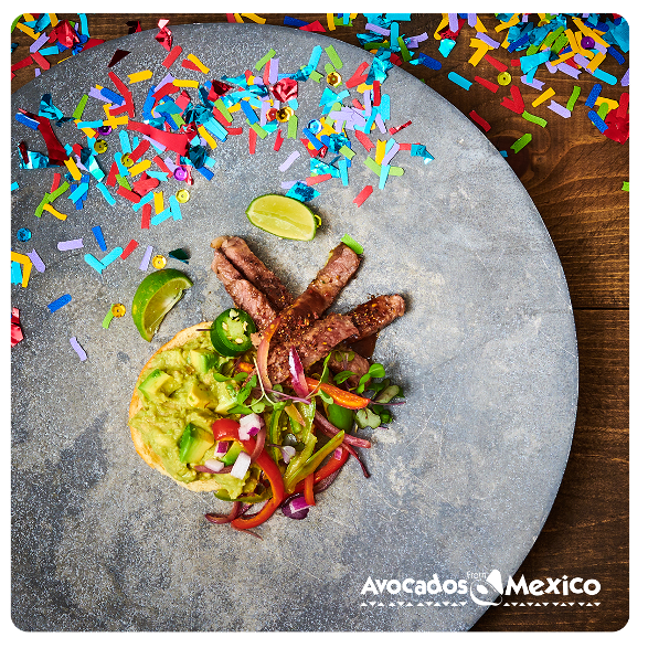 Here's a toast to real-life heroes like teachers and postal staff. 🥑🥂 RT and you could win $1,000 to do a little something for them.  #GuacFromMexico #NewYearsEve #Sweepstakes