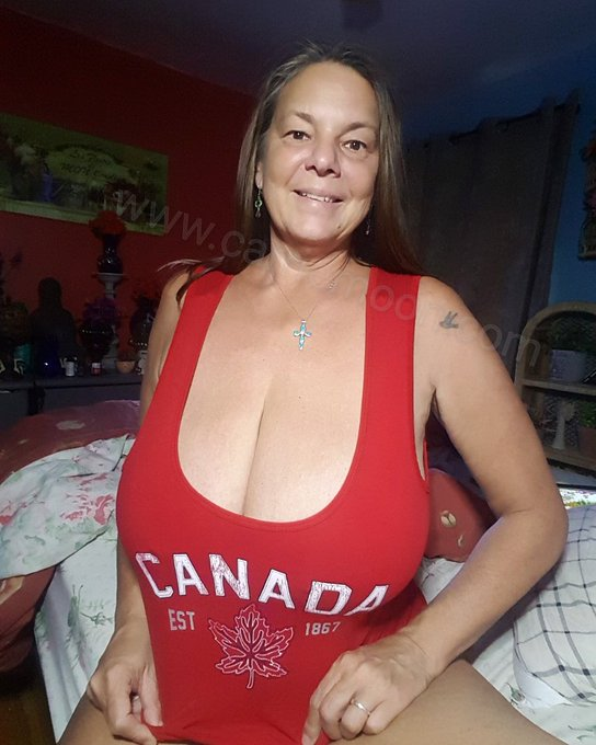 Canadiancarriemoon canadiangirlsrock https://t.co/7KEeQdPrxt