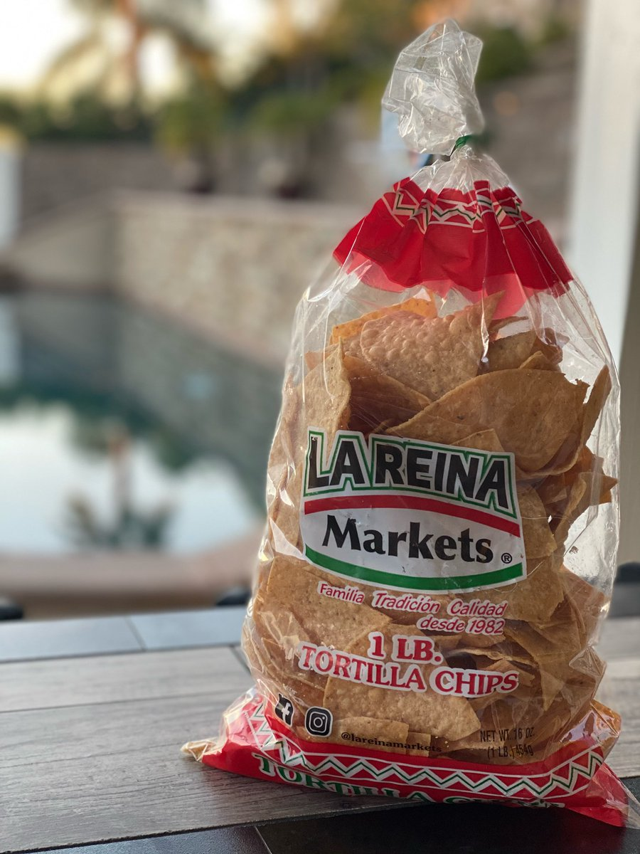 With our amazing December weather, just give me a bag of chips and let me chill outside.   #lareinamarkets #carniceria #butcher #meatshop #panaderia #tortilleria #taqueria #pandulce #produce #tortillas #masa #tamales #usdaprime #anaheim #cityoforange #orangecounty #familybusiness https://t.co/zsGPJToutV