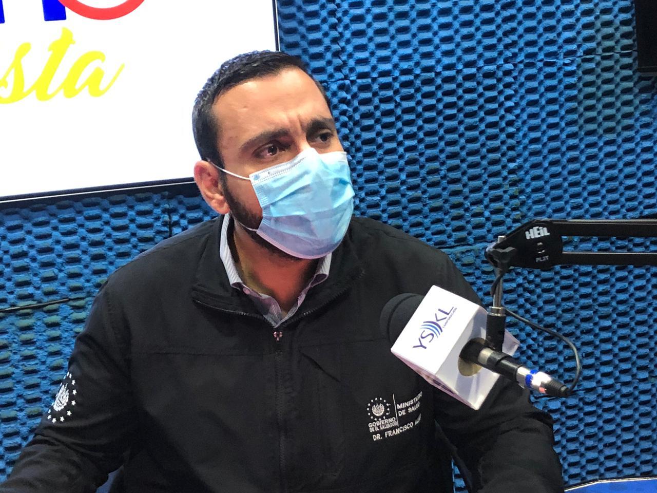 Alabí justifica veto a ingreso de viajeros desde Reino Unido y Sudáfrica por coronavirus