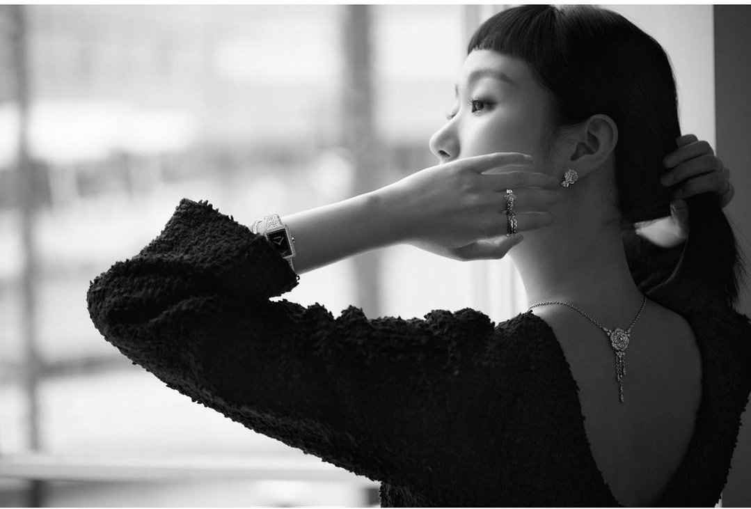 I ❤️ this 3 pic the most👸 #KimGoEun  #CHANELFineJewelry  @VogueKorea