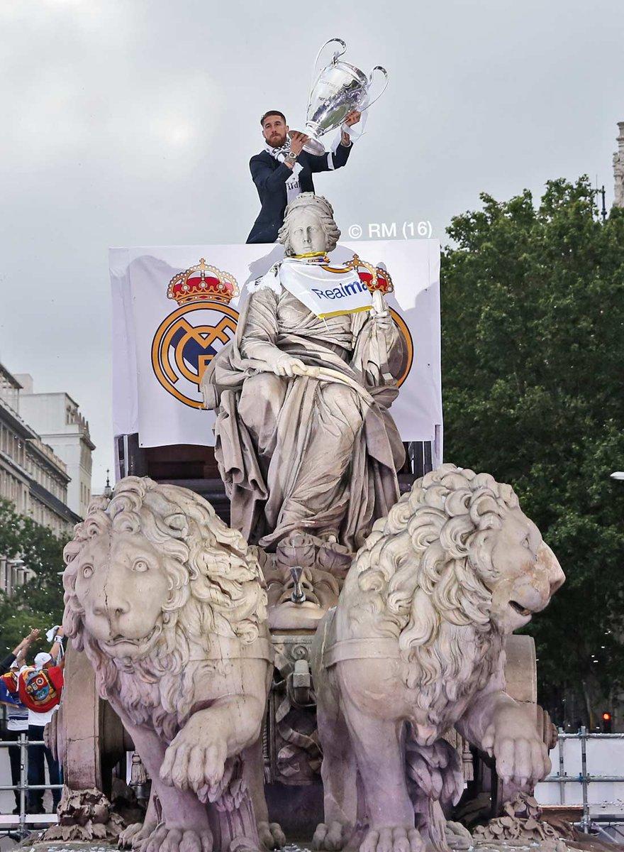 @realmadrid @SergioRamos @LaLiga @RaulGonzalez @IkerCasillas Mejor central del mundo único en su posición mi capitán Hala Madrid