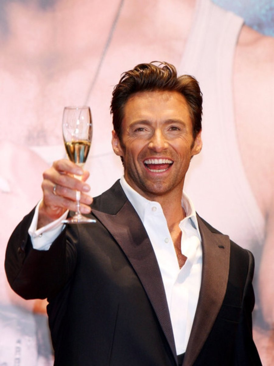 @RealHughJackman @AviationGin @VancityReynolds @laughingmanco @SamsClub @sickkids Hugh. Coming here to tell you that I would be very happy if you answered me, the affection of those we admire completes our day/