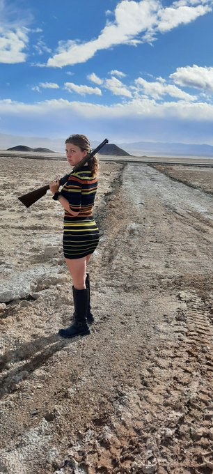 Waste land picture from my trip 😁 @bunnynetwork @NevadaEscorts #wasteland #Fallout #girlswithtattoos