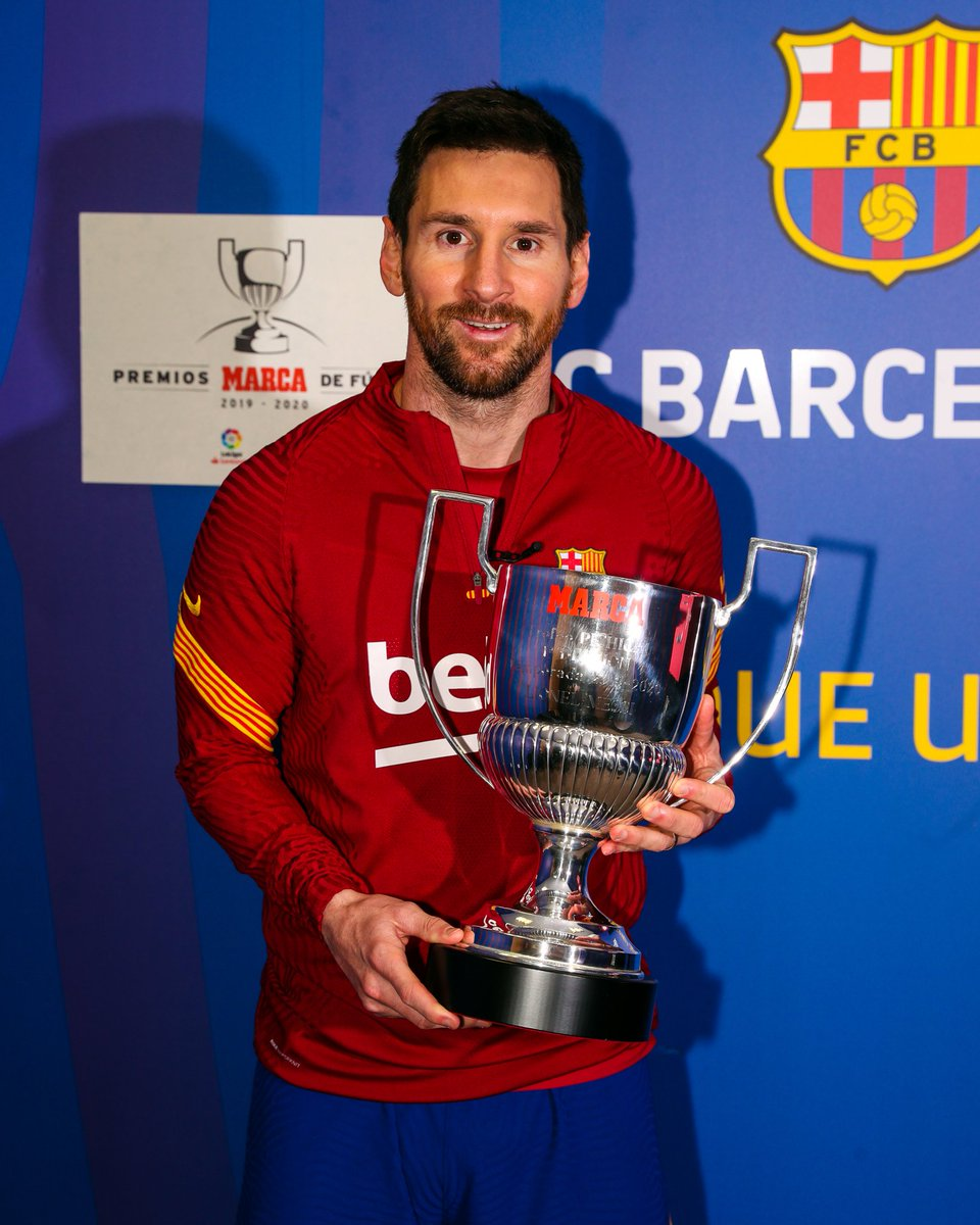 Leo Messi Recibe su 7mo premio pichichi superando a Telmo Zarra como maximo ganador y la pregunta es podra #Messi venir desde atras y ganarlo nuevamente por que de seguro lo va a lograr y de eso estamos seguros #PremiosMarca2020 #FCBarcelona