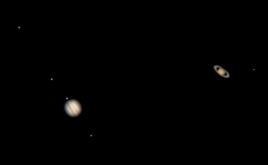 conjonction de Jupiter et Saturne (décembre 2020) EpzdWcDXcAM9hrL?format=jpg&name=900x900