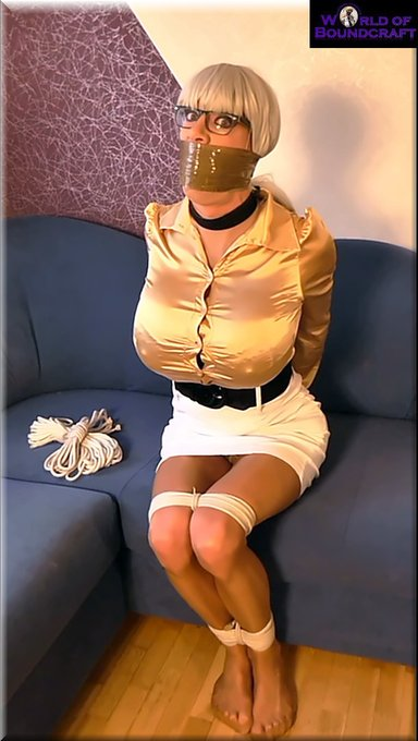 Hi all!!! I had a great #selfbondage shooting today and made my job as #superbuxom #tranny in golden