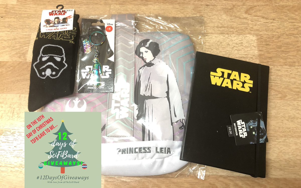 🎶 On the 10th day of Christmas, TSFB gave to me...🎶  The Force is STRONG with this one! It's #StarWars socks, notebook & a #PrincessLeia lunch bag & keyring!  TO ENTER: FOLLOW me Like/retweet this WORLDWIDE?: Yes  CLOSES: 11:59pm GMT tonight (3rd)  #12DaysOfGiveaways #SpreadJoy