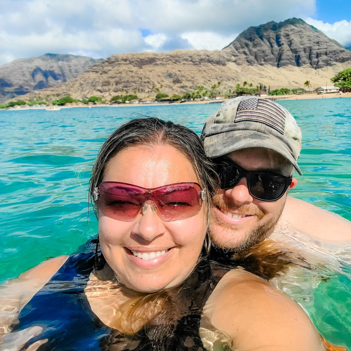 Sometimes you just need a beach day! 😎 Spending time with the family is always special. ❤ I love moments like these. Happy Sunday everyone❣ #hawaii #livinginparadise #aloha #oahu #sundayfunday