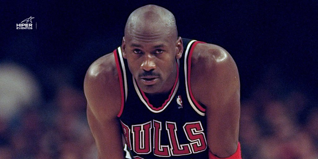 #TalDíaComoHoy Michael Jordan deja la #NBA (1999). https://t.co/QTvVSTtKeJ
