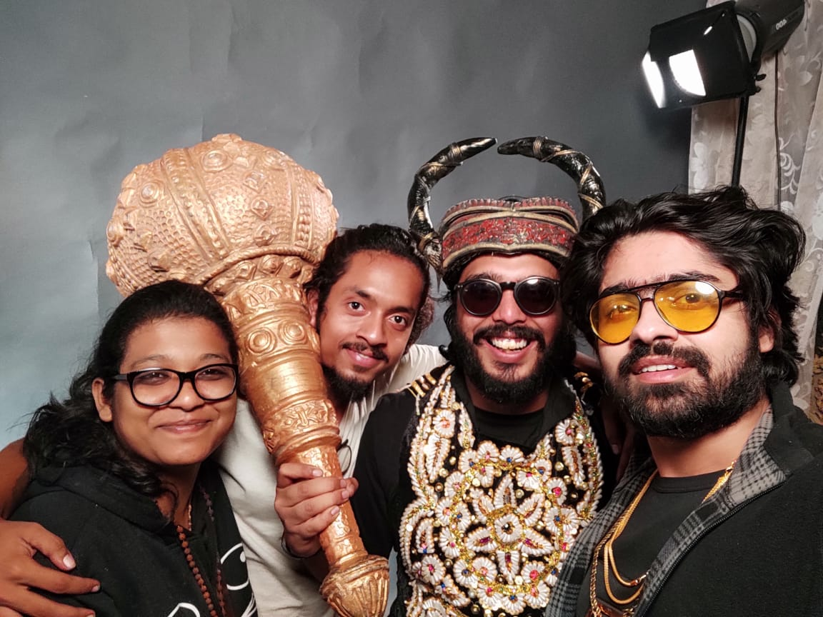 Fun selfie on Putkivai set youtu.be/psQlLKpp6Ac #Bengali #MusicVideo #kolkata #putkivai