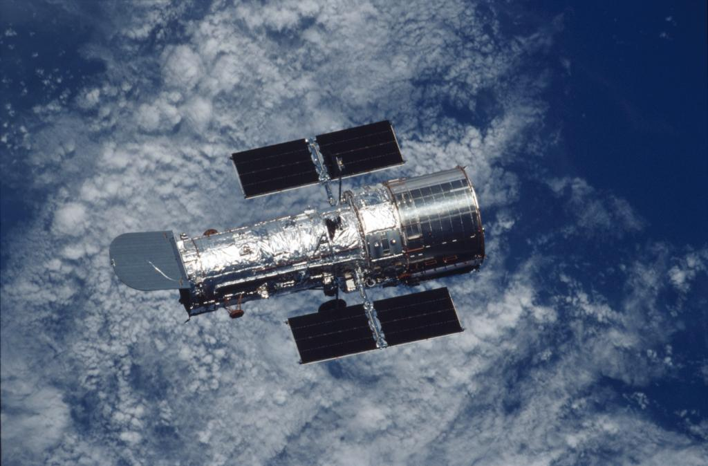 Happy #NationalTriviaDay! 🧠 Our Hubble Trivia series explores the telescopes history, discoveries, and science! Test your Hubble knowledge with our quizzes and short videos. Get started: go.nasa.gov/3of0GkX