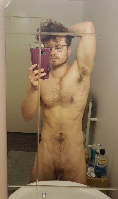 Post workout, pre shower  https://t.co/mTggIUOyvP https://t.co/mgoUJn9yyB