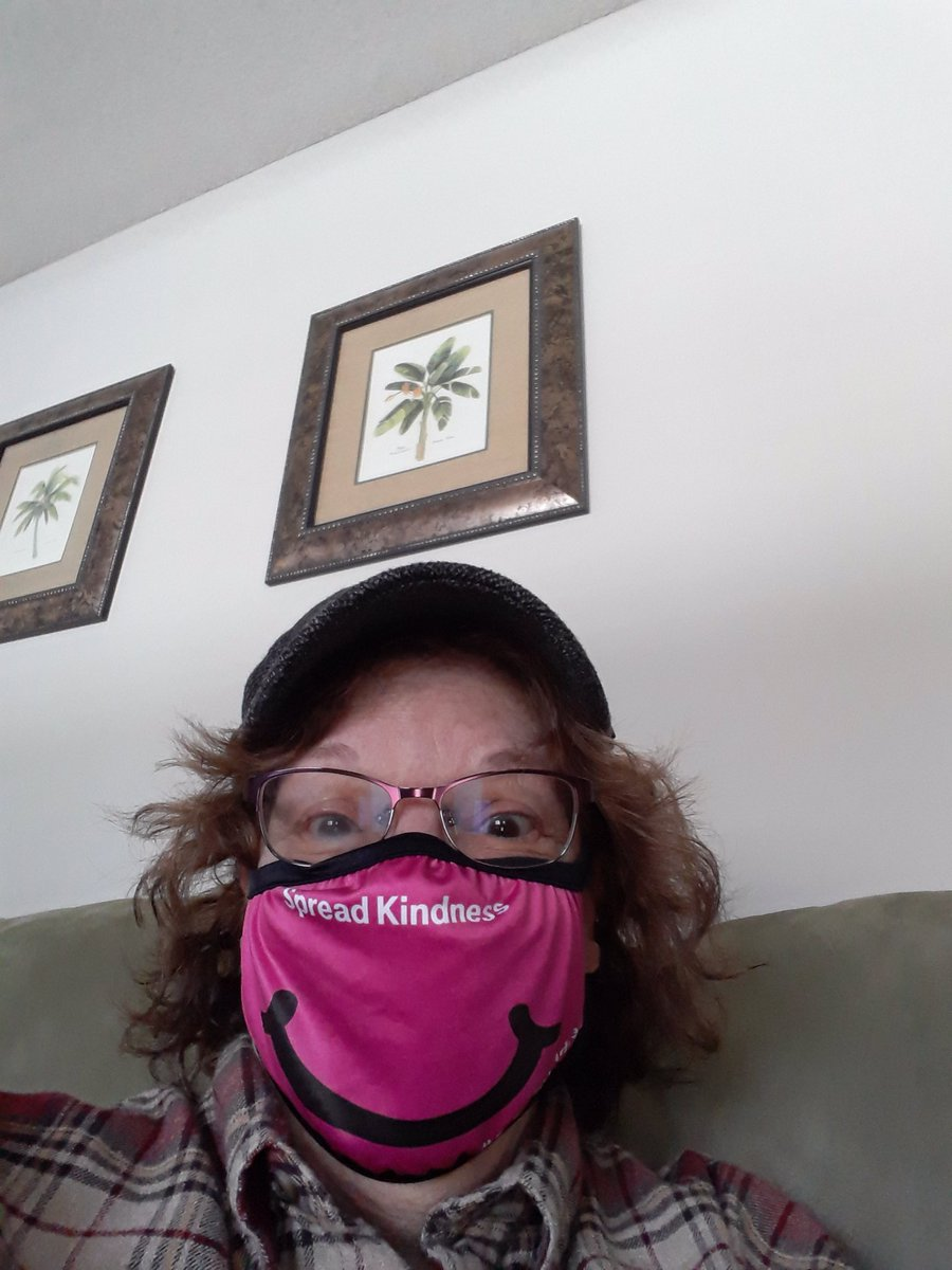 #CaptureKindness #Sweepstakes Thank you so much @TMobile  for this mask. I get a lot of compliments when I wear it!