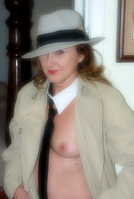 Is my tie crooked?   https://t.co/w6FRs3hmkG  @CroAna18 @MilfsandMoms_WW @WillBang4 @Firecrackers_ @100Shotter