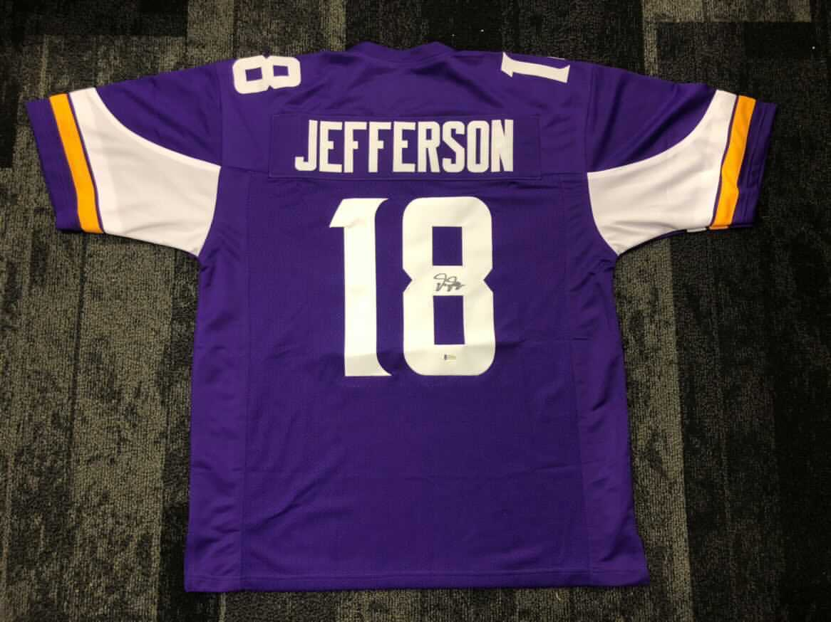 RT to win a autograph @JJettas2 jersey!!  Rules:  1. RT this tweet  2. Like this tweet 3. Follow @EIMinnesota , @SkolBros & @mnspnews   Winner will be picked 1/9/21   #SKOL