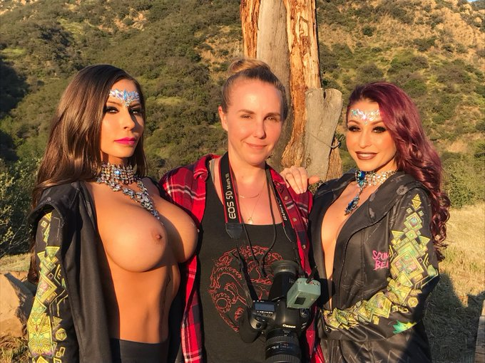 This was such a fun day! A couple of years back I shot @Madison420Ivy and @moniquealexande for Madison's