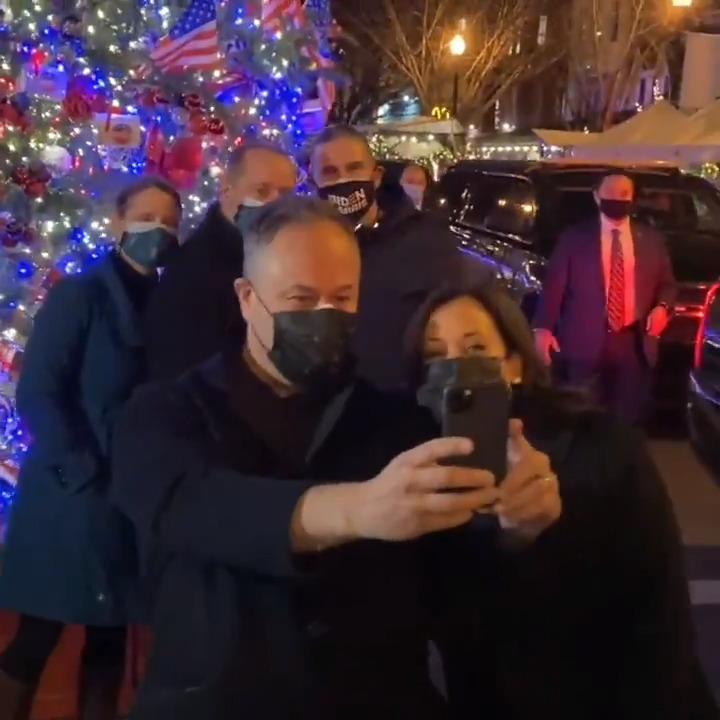 Picking up some takeout at @FlorianaDC with @DouglasEmhoff and we had to snap a selfie in front of the 17th Street community tree.