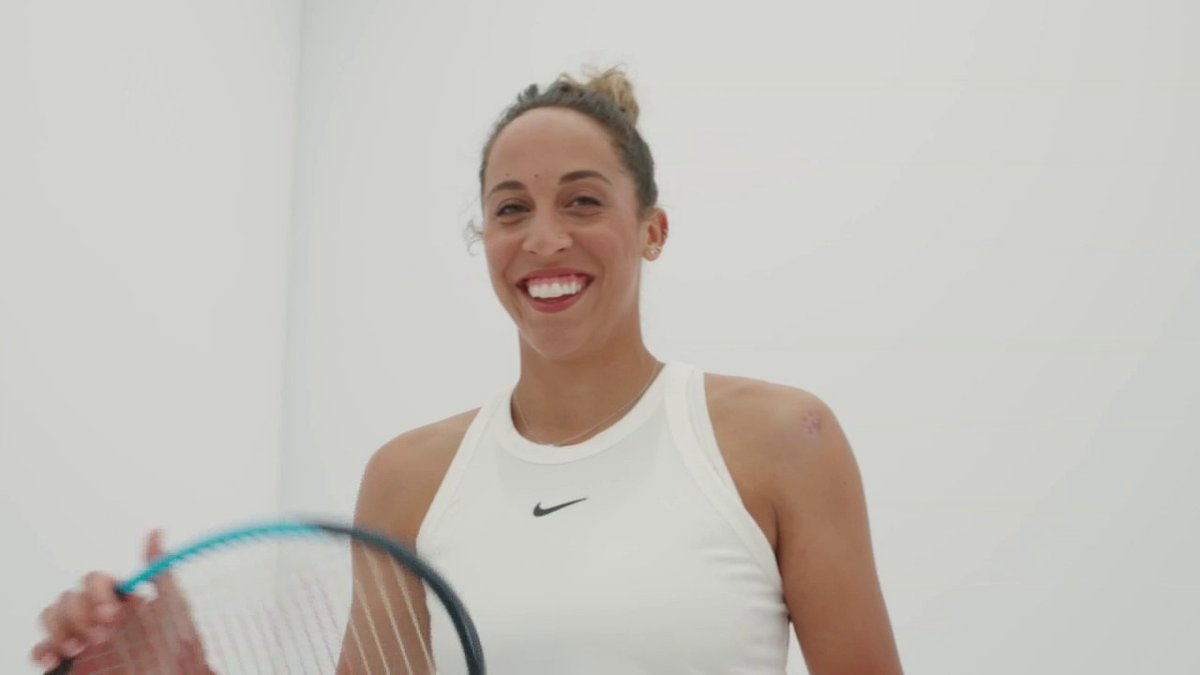 Thanks for dropping in, @Madison_Keys❤️  The world No. 16 talks about how she's been handling the unexpectedly long off-season and looking ahead to playing the 2021 @AustralianOpen.  @LDavenport76 | @Steve_Weissman | #TCLive→
