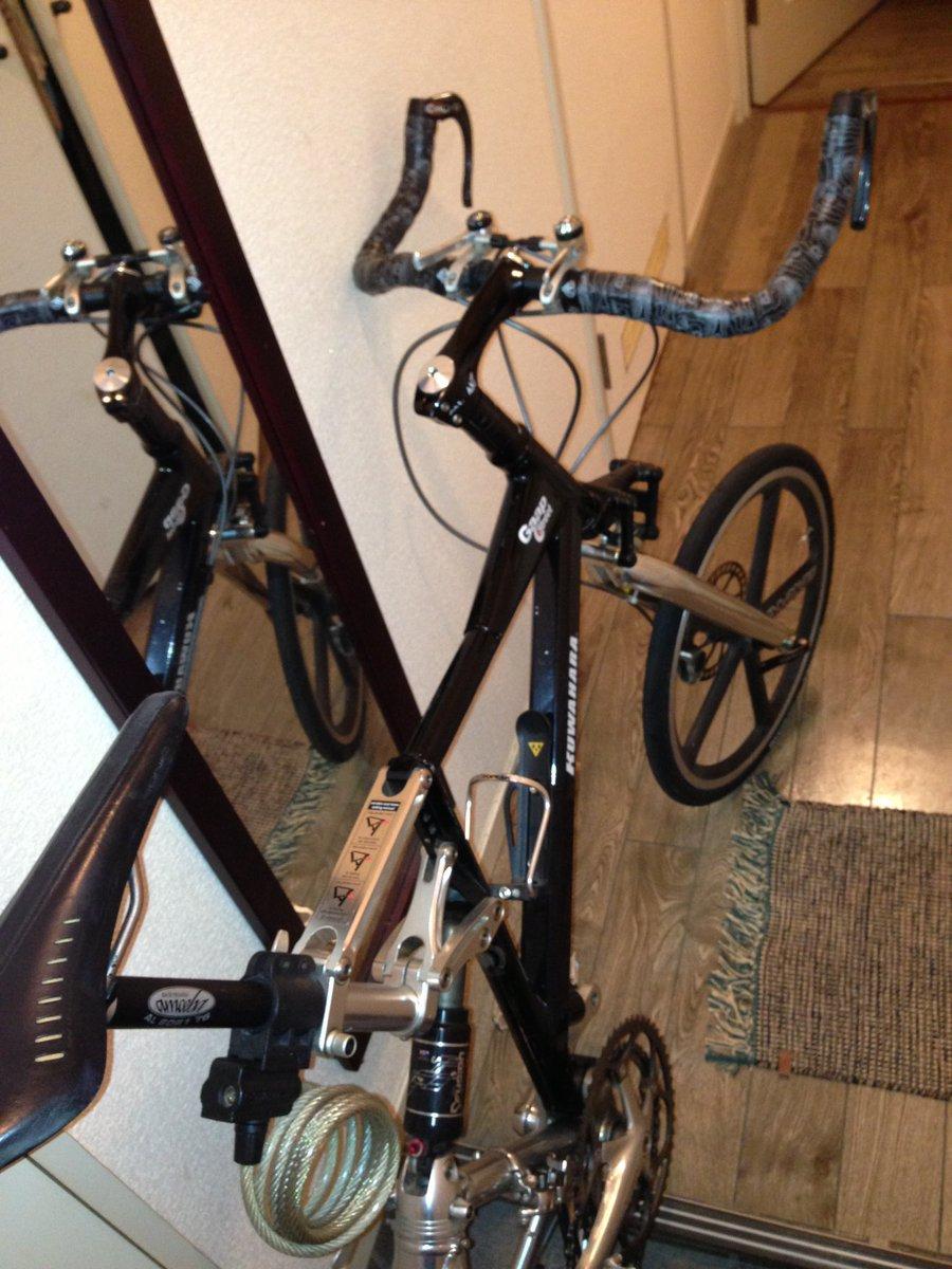 弟が凄え大切にしてた自転車が盗まれました。シャッター付きの駐輪場でワイヤー切られたらしい。KUWAHARA Gaapの生産終了してるかなりレアなチャリです。もしも盗んだひとがこれ見てたら怒らないので返してあげて欲しい。絶対に返してあげて欲しい。思い出の詰まった大切なチャリなんです。