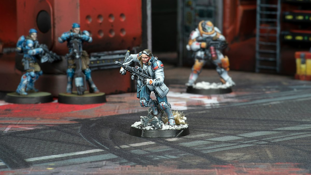 Great photoshoot with the new minis and @deepcutstudio mat! #aleph #WarGames #miniaturepainting