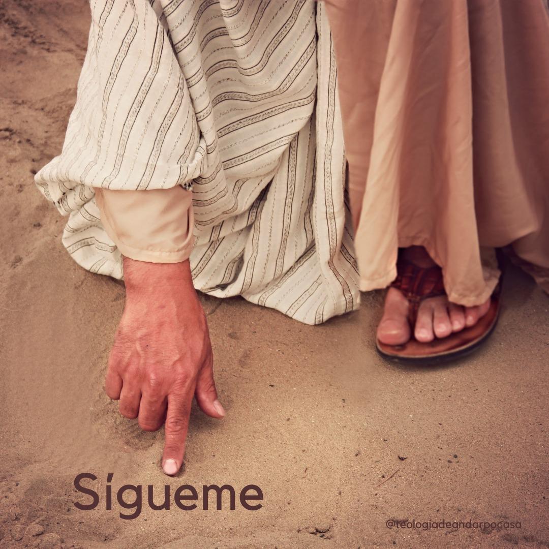 En aquel tiempo, determinó Jesús salir para Galilea; encuentra a Felipe y le dice: «Sígueme». #EvangelioDelDía #SanJuan #Navidad #PalabraDeDios #Pray #CatholicTwitter #AOrarSeAprendeOrando