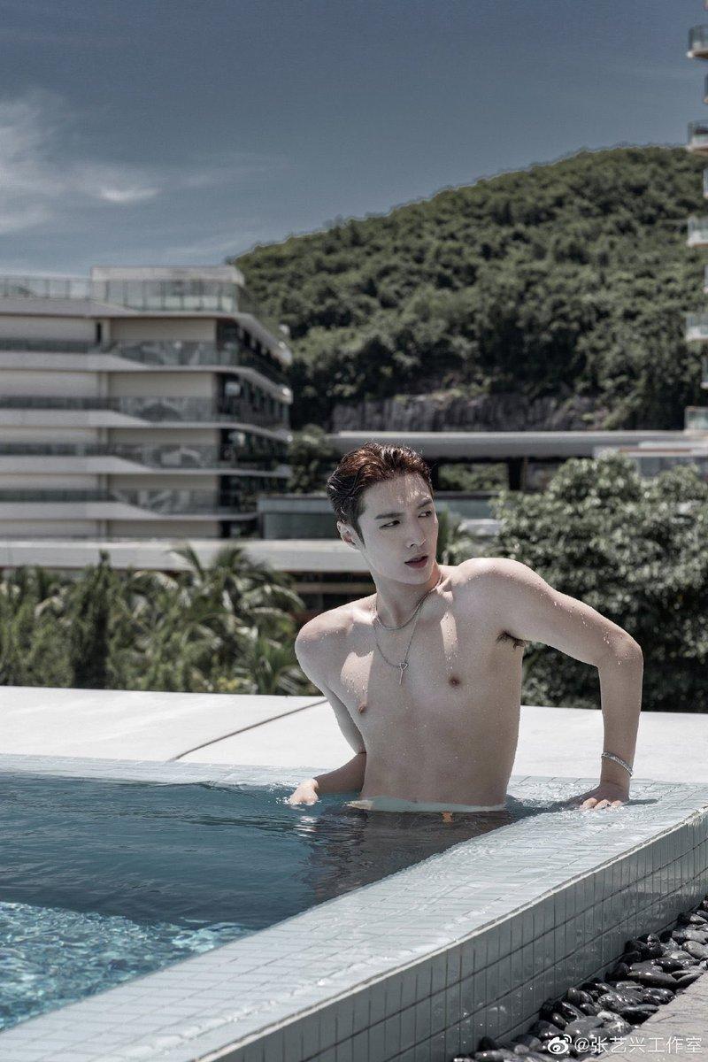 Replying to @eternallyixing: 210105 @lay_studio weibo update (1/2)   Yixing at the pool @layzhang 💦