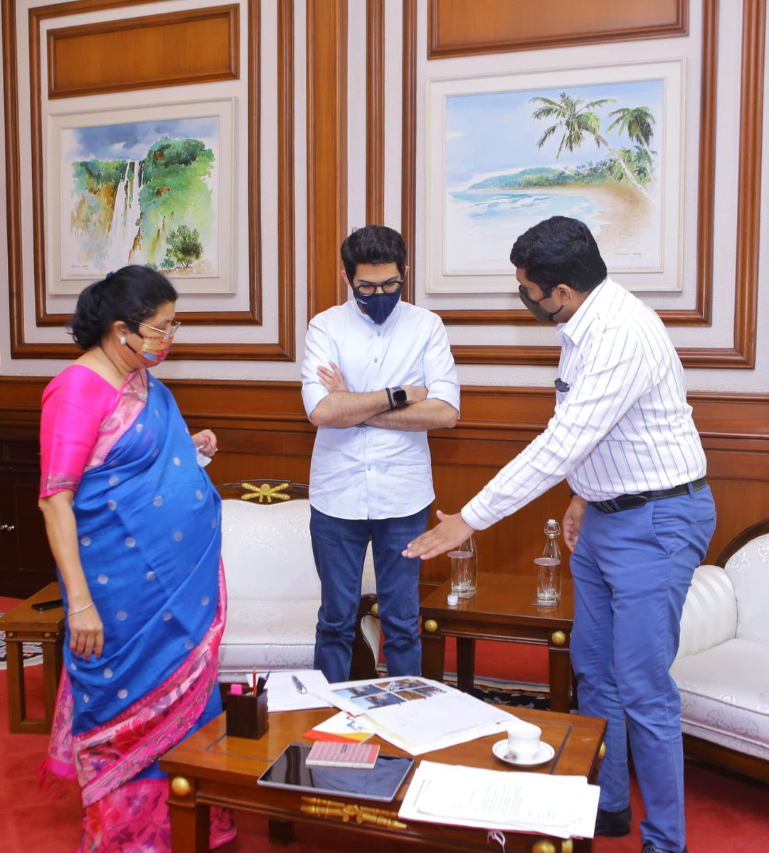 Leader of the House in @mybmc Vishakha Raut ji and Assistant Commissioner of @mybmcWardGN discussed with me the multiple projects in G/N like Mahim Beach, Mahim causeway, pedestrian pathways and missing links.