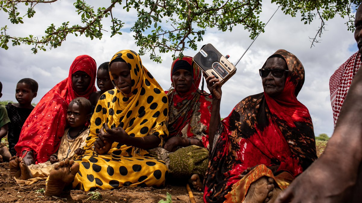 📻 Radio is one of the most far-reaching and popular tools of communication in #Somalia.  Learn more about how @FAO uses this medium to provide Somali's with information on good agricultural practices, livestock, fisheries and nutrition.   ~