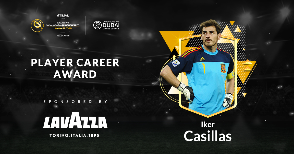 🏆 🇪🇸 IKER CASILLAS honoured with the Globe Soccer PLAYER CAREER AWARD  #IkerCasillas #LavazzaMENA #Lavazza #globesoccer @IkerCasillas @lavazzagroup @dubaisc @realmadrid @fcporto @sefutbol