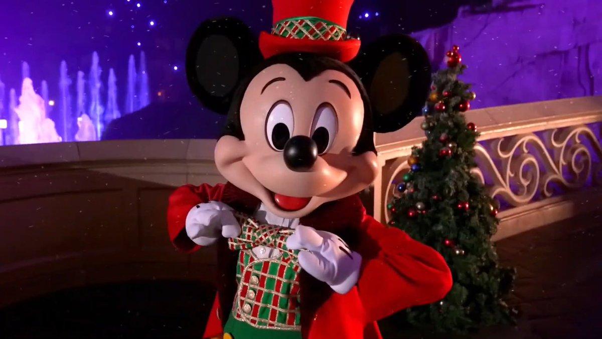 Disneyland Paris mostra como Mickey comemorou o natal