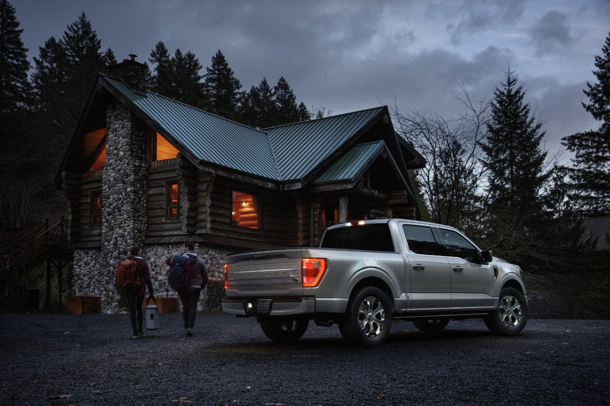 Forget the milk and cookies—leave your keys out and let Santa test drive a different kind of sleigh this year. https://t.co/uJ40c5o6vN